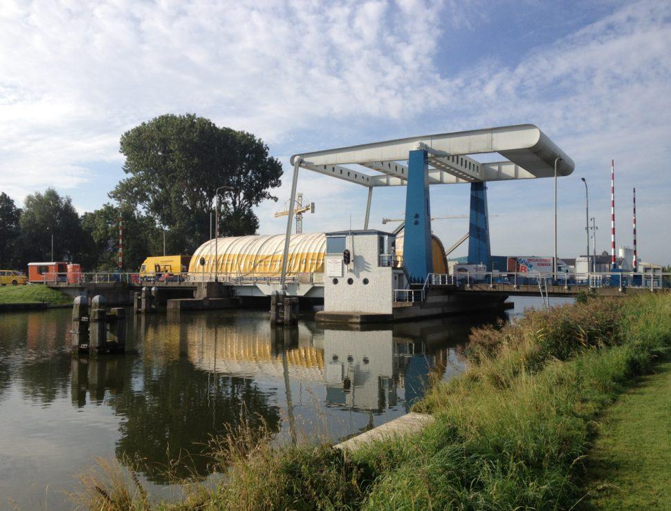 Hefbrug, Delftzijl